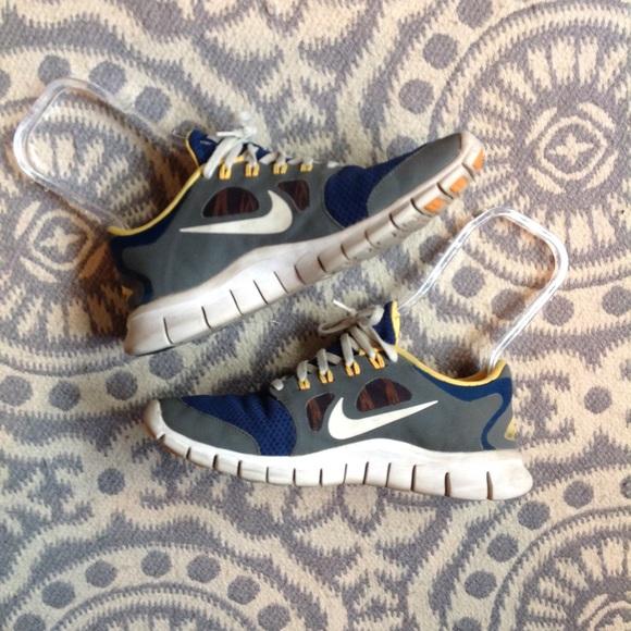 the latest 78b0c da37b Nike free 5.0 shoes 7Y fits women 7.5/8